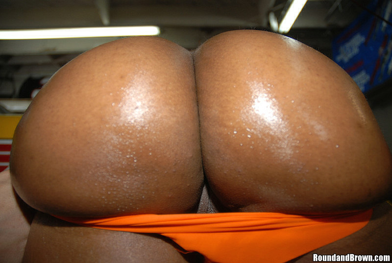 Right! Super fine naked black girl